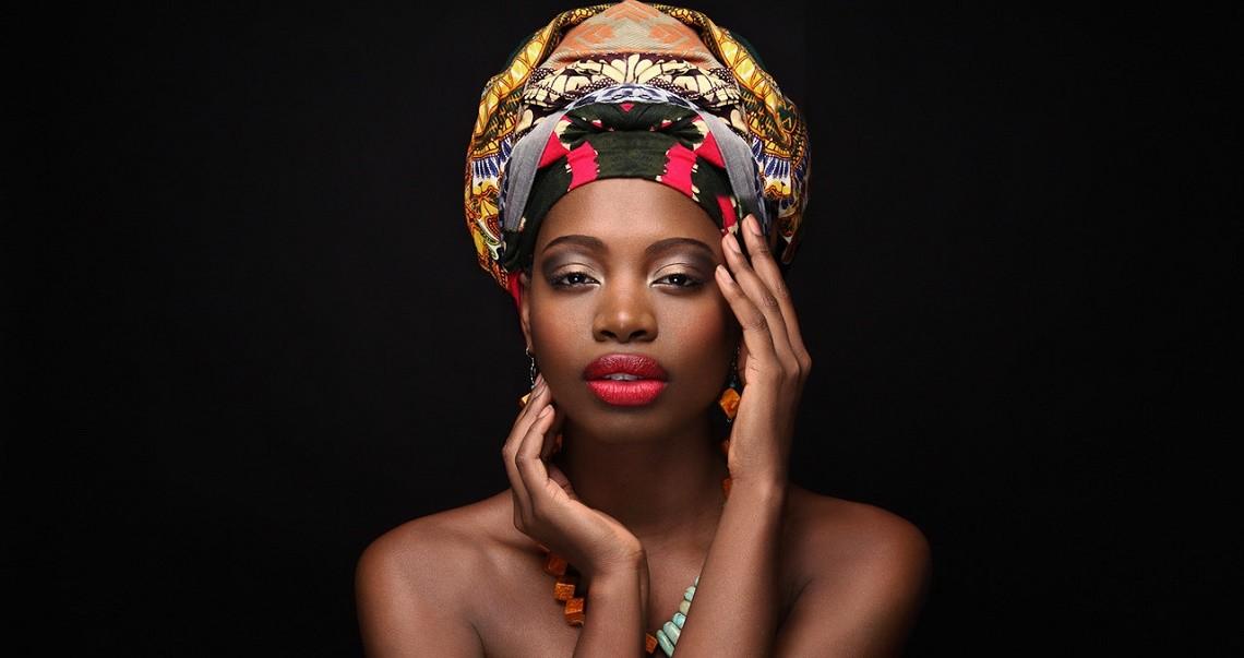 Le foulard Africain : La mode du headwrapping