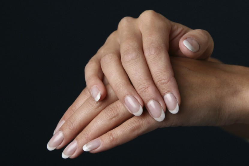 Un auto-massage des mains en 7 gestes simples