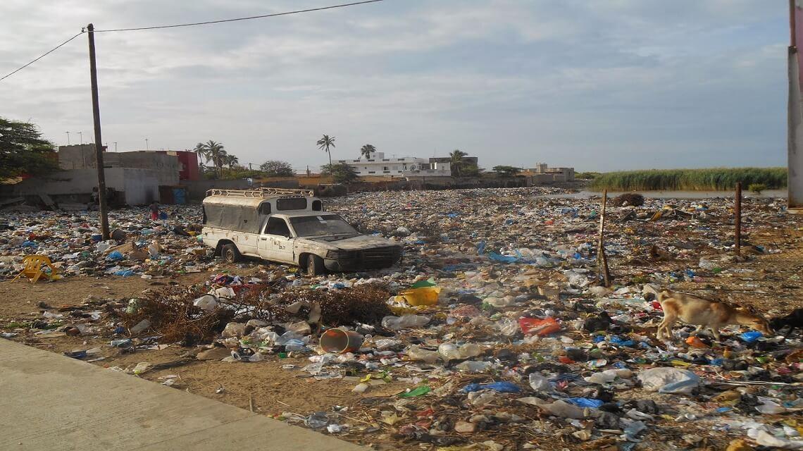 Quelles solutions alternatives pour la gestion des déchets plastiques au Sénégal ?