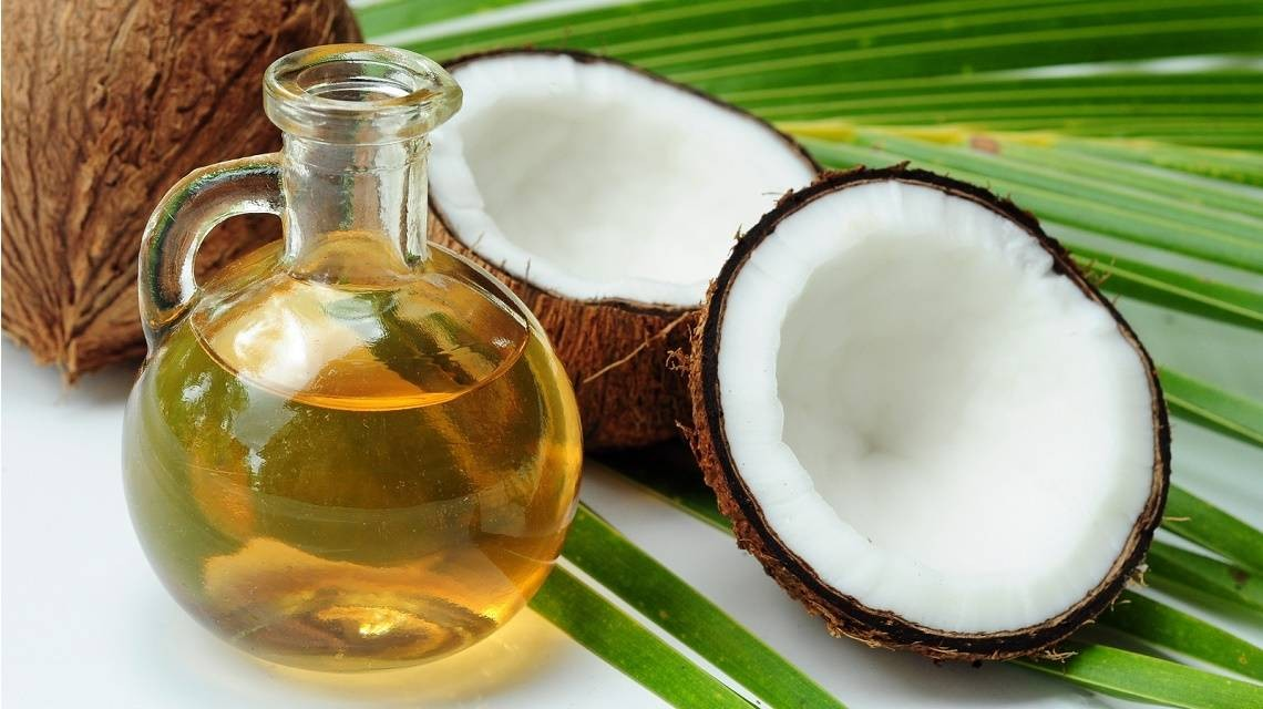 8 utilisations de l'huile de coco dans votre routine de beauté