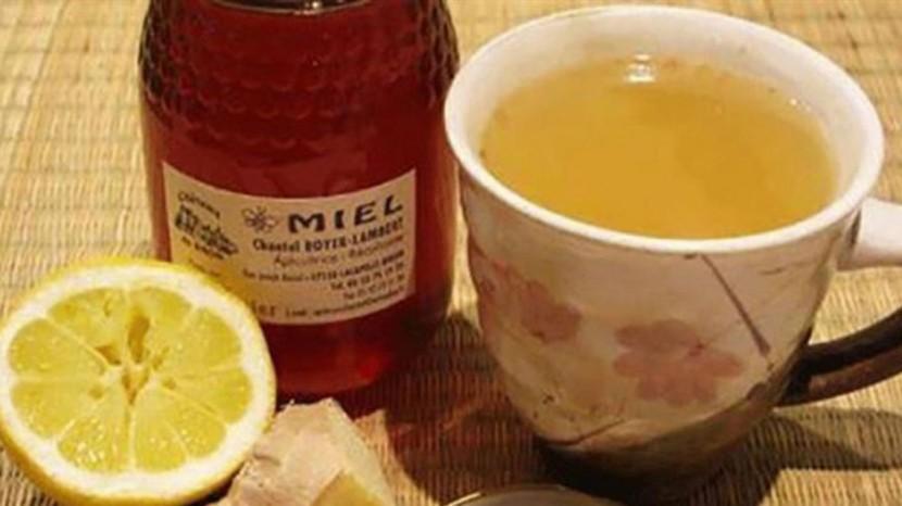 20 raisons pour commencer votre journée avec du miel et du citron