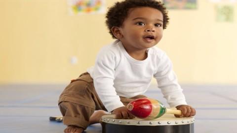 Sécurité des tout-petits : faites attention aux jouets !