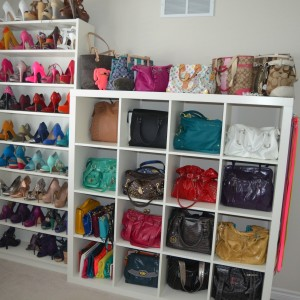 contemporary-bedroom-design-purse-storage-ideas-canada-cubbies-walk-closet-organizers-wooden-closet-shoe-rack-white-shoe-handbag-storage-stand-300x300