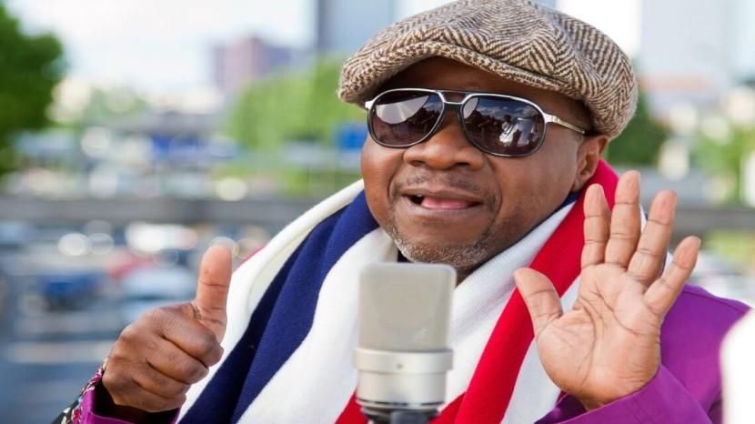 Il tire sa reverence sur scene : l'adieu en direct de Papa Wemba