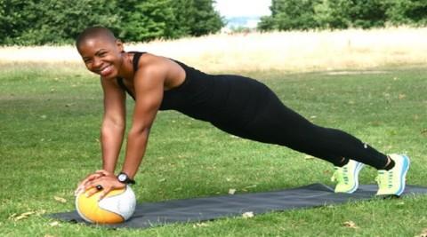 Gommez la cellulite de vos cuisses avec ces 4 exercices !