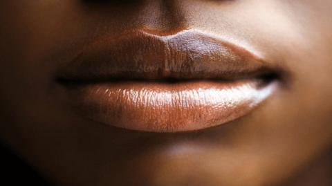 Pour des lèvres douces et pulpeuses, fabriquez vous mêmes votre baume à lèvres