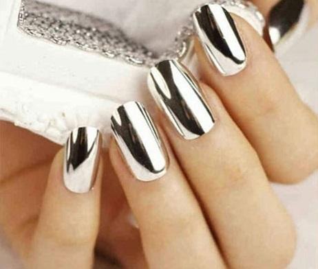 ob_3fde8f_mirror-nails1