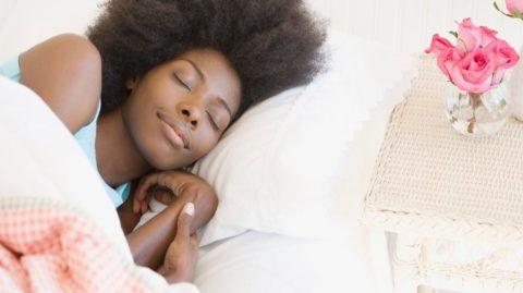 Vous n'arrivez pas à vous mettre tôt au lit ? Voilà 5 astuces pour vous aider !
