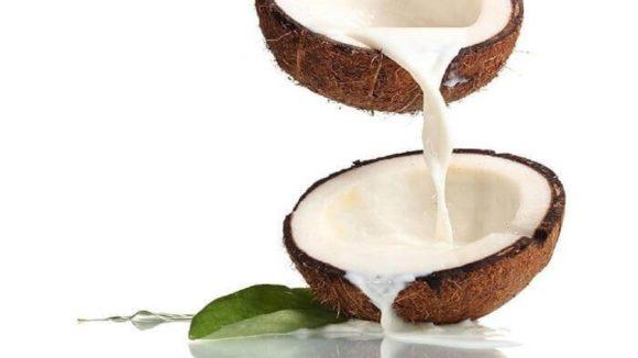Soin du visage: Traitement au lait de coco pour un teint éclatant