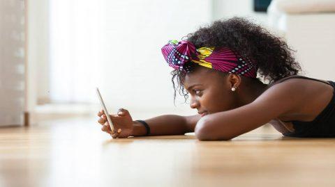 Pourquoi sommes-nous obsédés par quelqu'un qui ne répond pas aux SMS ?