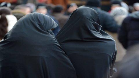 En Arabie, l'appli qui permet aux hommes d'espionner les femmes