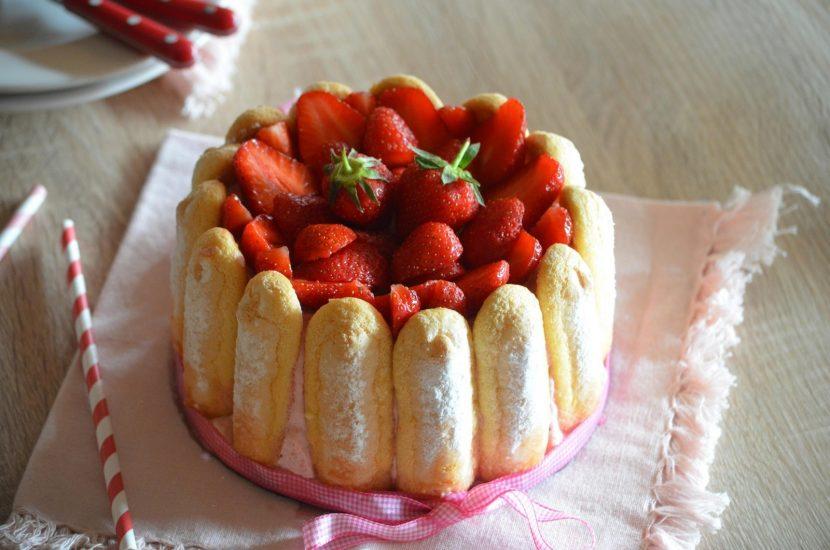 Goûter du dimanche – La Charlotte aux fraises