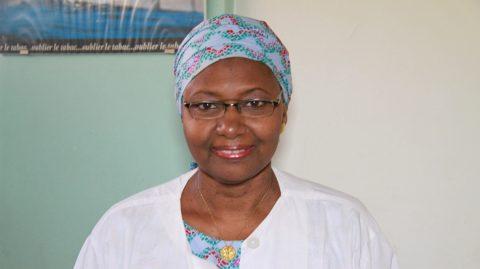 Dr Madina Kane pharmacienne biologiste « oui, on peut se protéger naturellement du covid 19 »