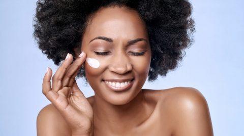 Make-up d'été: Comment se maquiller quand il fait chaud ?