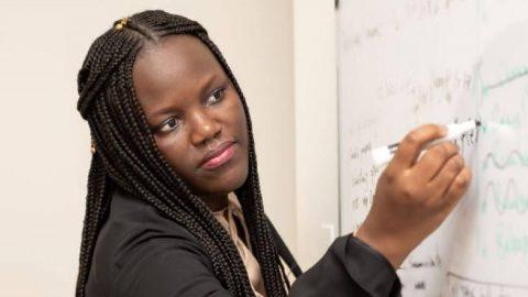La première femme noire à enseigner à Princeton est sénégalaise